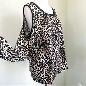 Tempted Hearts Cold Shoulder Leopard Print Top M